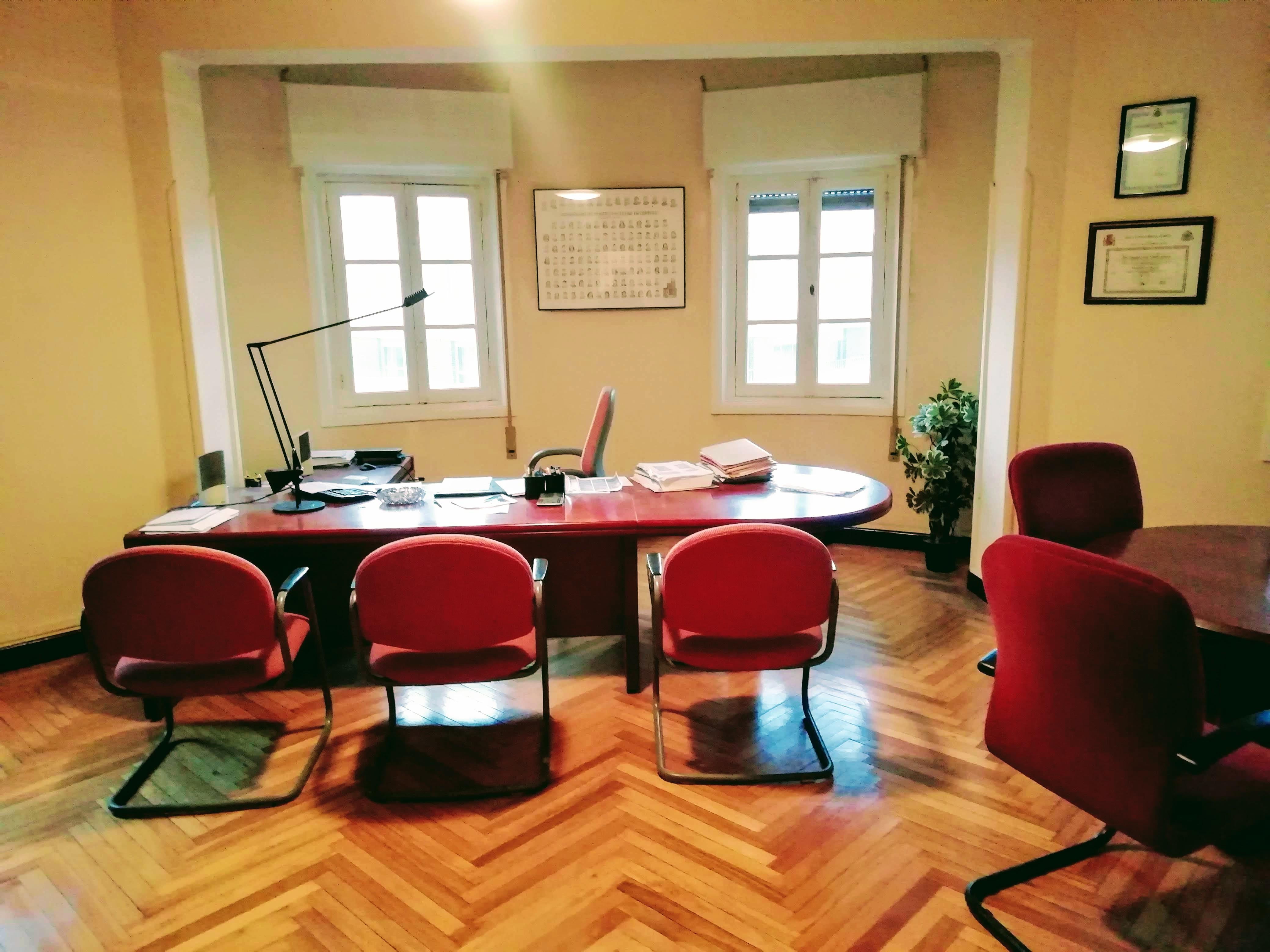 Venta de enorme piso en Marqués de Pidal, Oviedo.