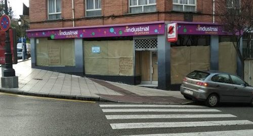 Local en alquiler en calle Juan Escalante de Mendoza, Oviedo
