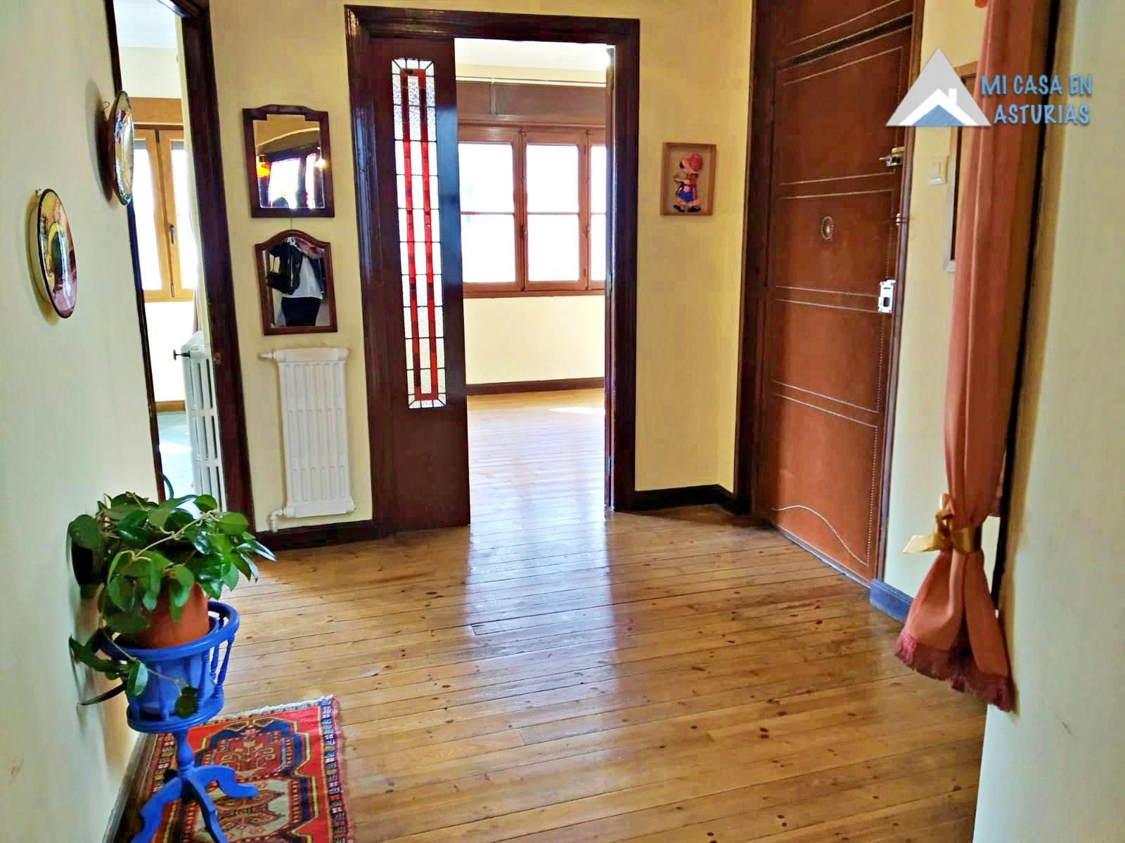Alquiler de piso en Calle Uría, Oviedo.