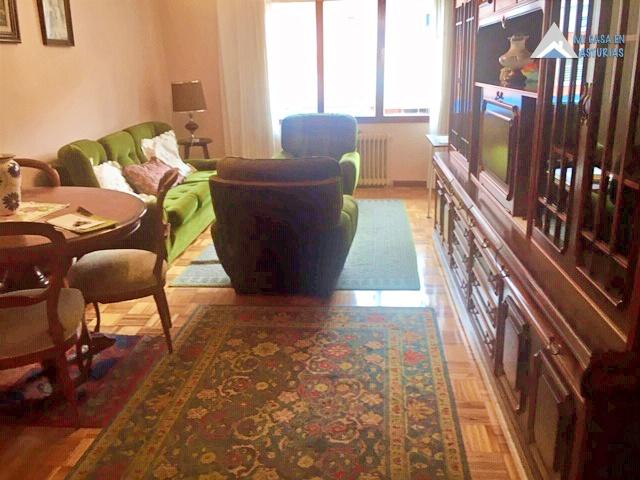 Alquiler de piso en calle Evaristo Valle, Oviedo.
