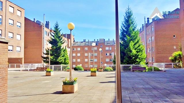 Plaza urbanización