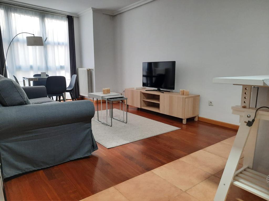 Alquiler de piso recien reformado y amueblado. Zona Centro.