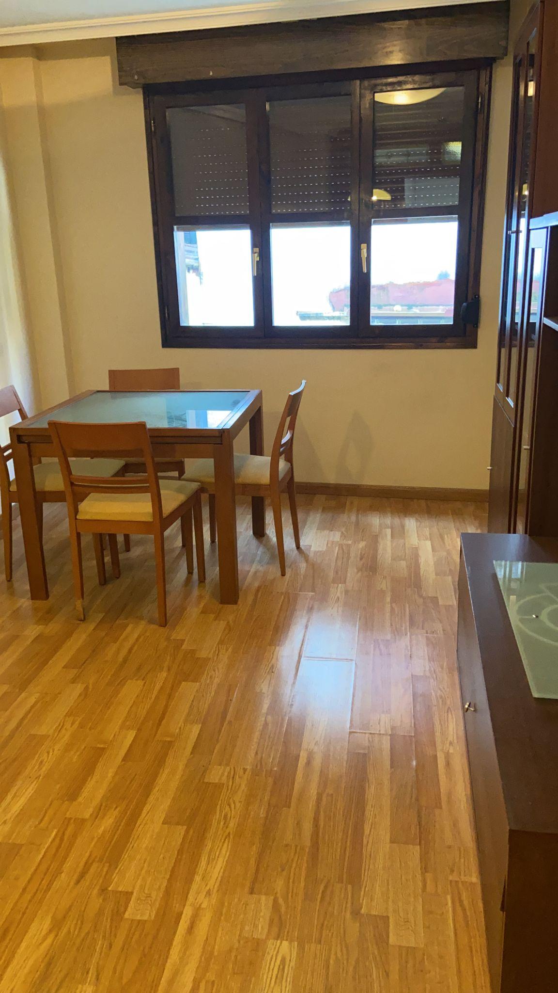 Se alquila piso amueblado en el Casco Antiguo