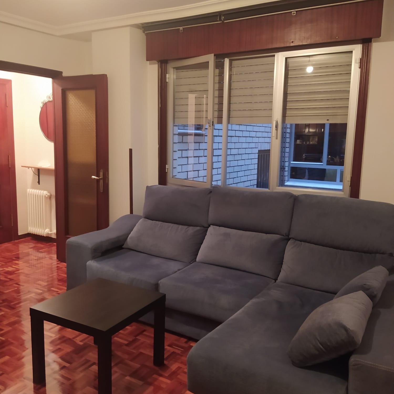 Alquiler de bonito piso ubicado en la Zona del Auditorio, Oviedo.