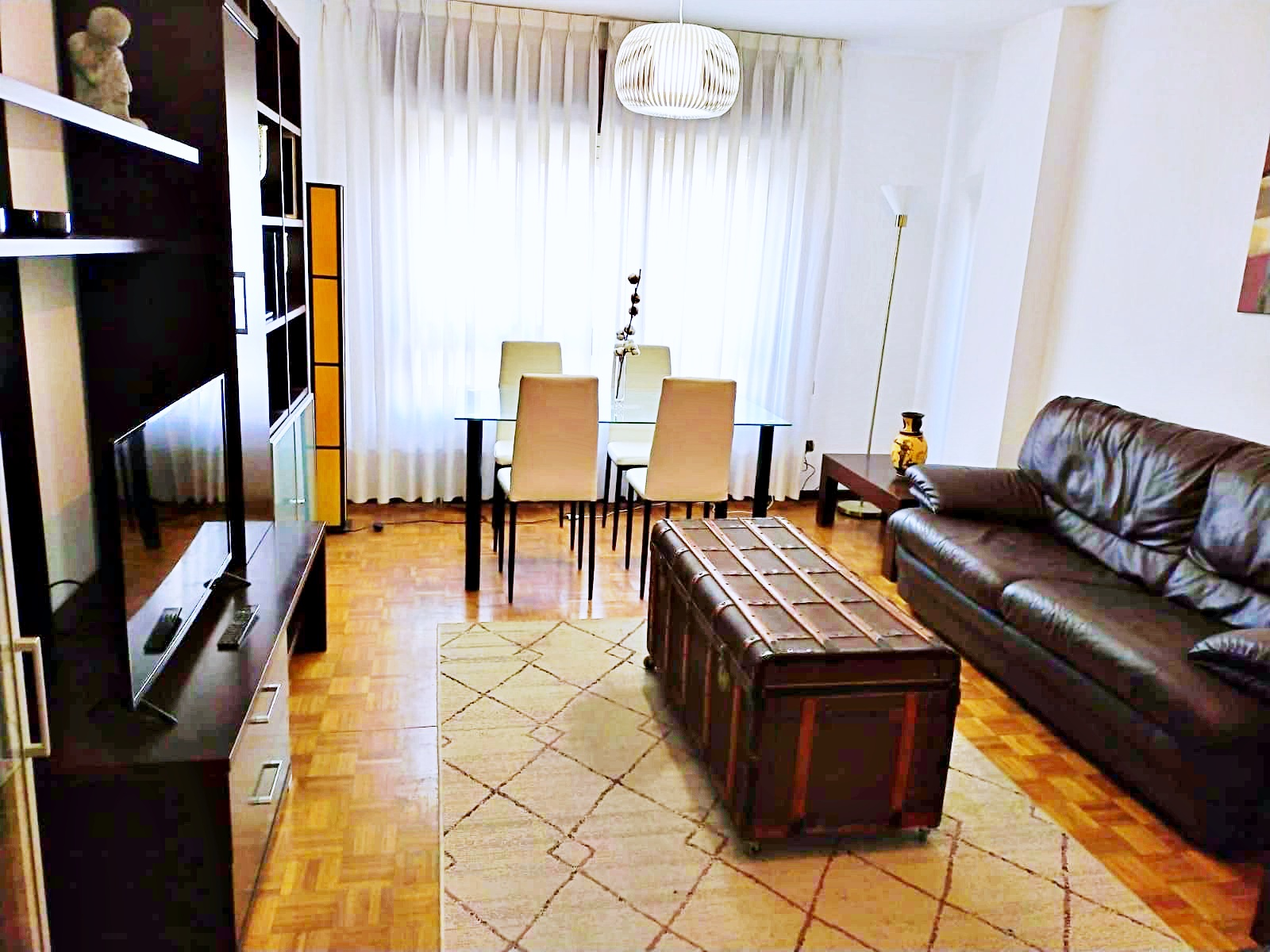 Alquiler De Piso Amueblado Y Moderno En La Bonita Zona Del Auditorio, Oviedo.