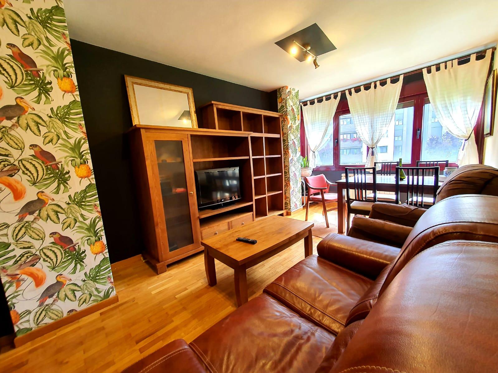 Alquiler de precioso piso amueblado, ubicado en la Zona de Santo Domingo, Oviedo.