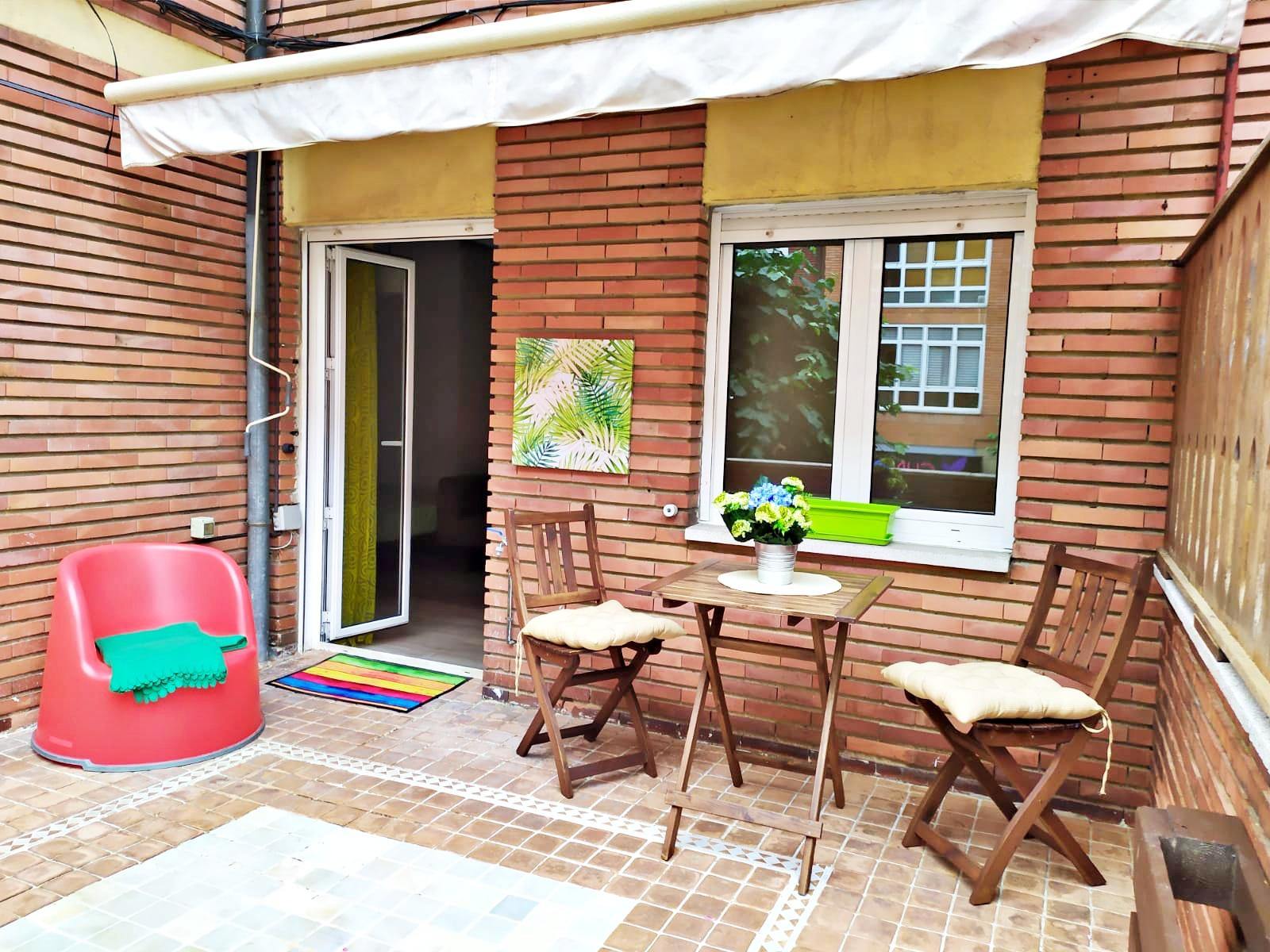 Alquiler de precioso Estudio con Terraza, en la Zona de Teatinos, Oviedo.